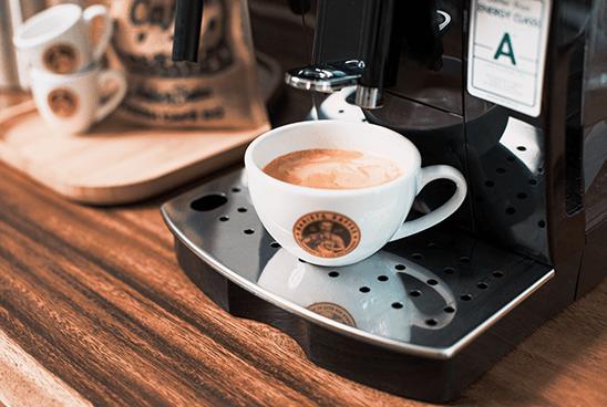 Delonghi Magnifica Kaffee