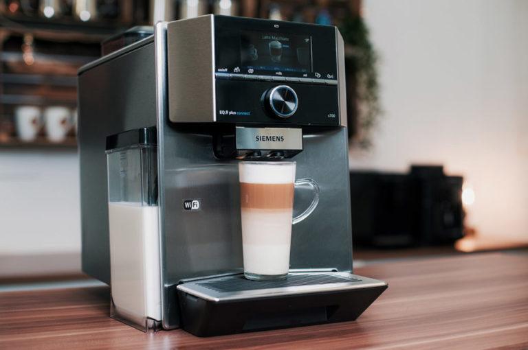 Siemens Kaffeevollautomat mit Milchbehälter
